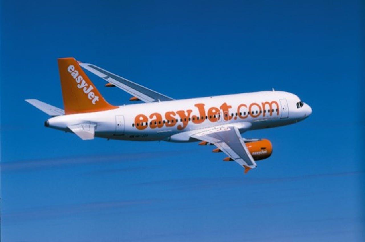 Pak je koffer maar weer uit: Morgenochtend geen vakantievluchten vanaf Schiphol met EasyJet.