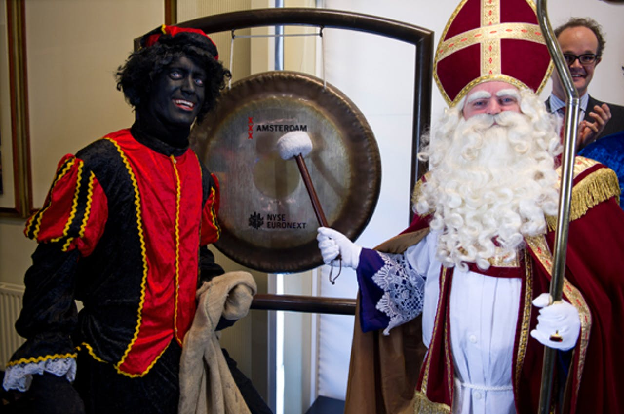 Sinterklaas opent de beurs in Amsterdam
