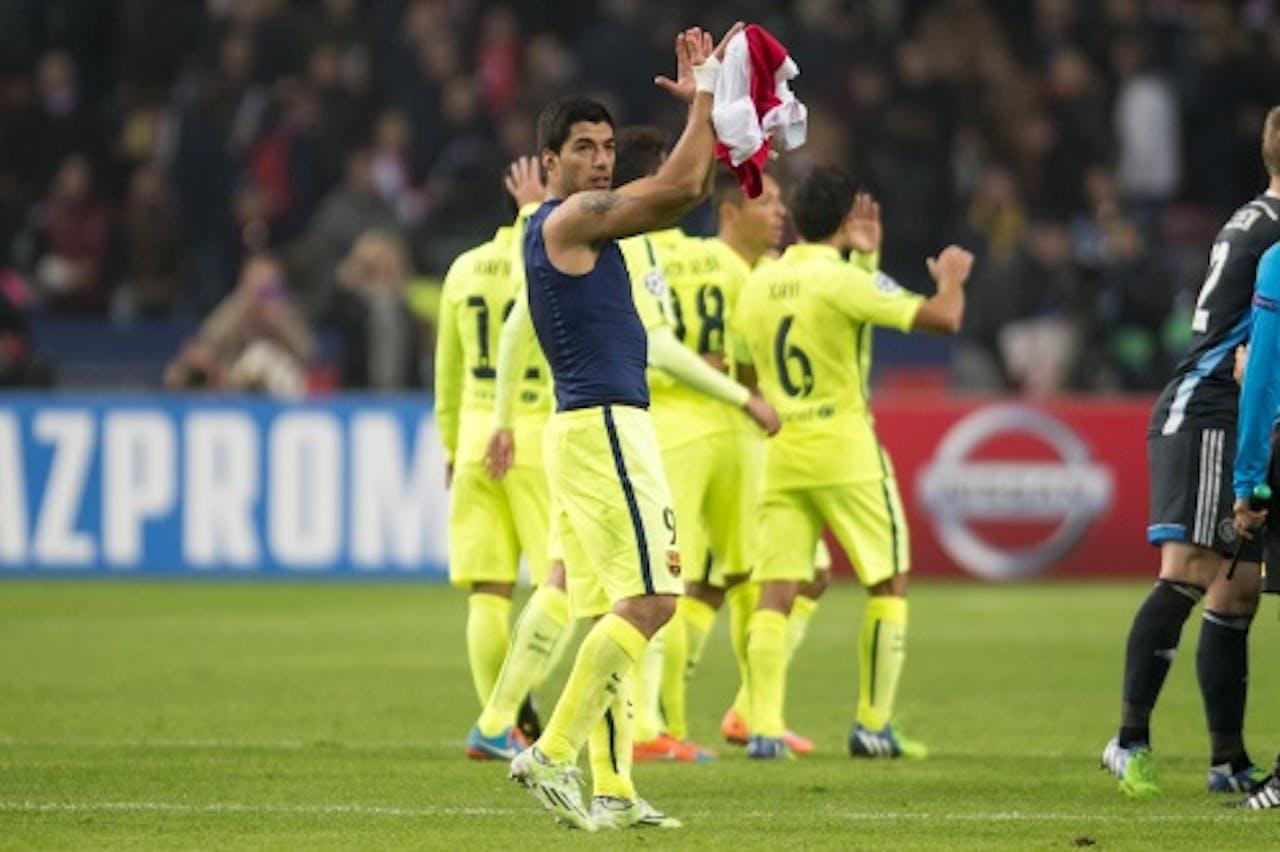 ANP Suárez bedankt het publiek na de wedstrijd.
