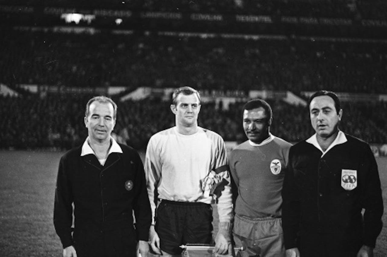 Archieffoto 1969 Mário Esteves Coluna (2e van rechts). ANP