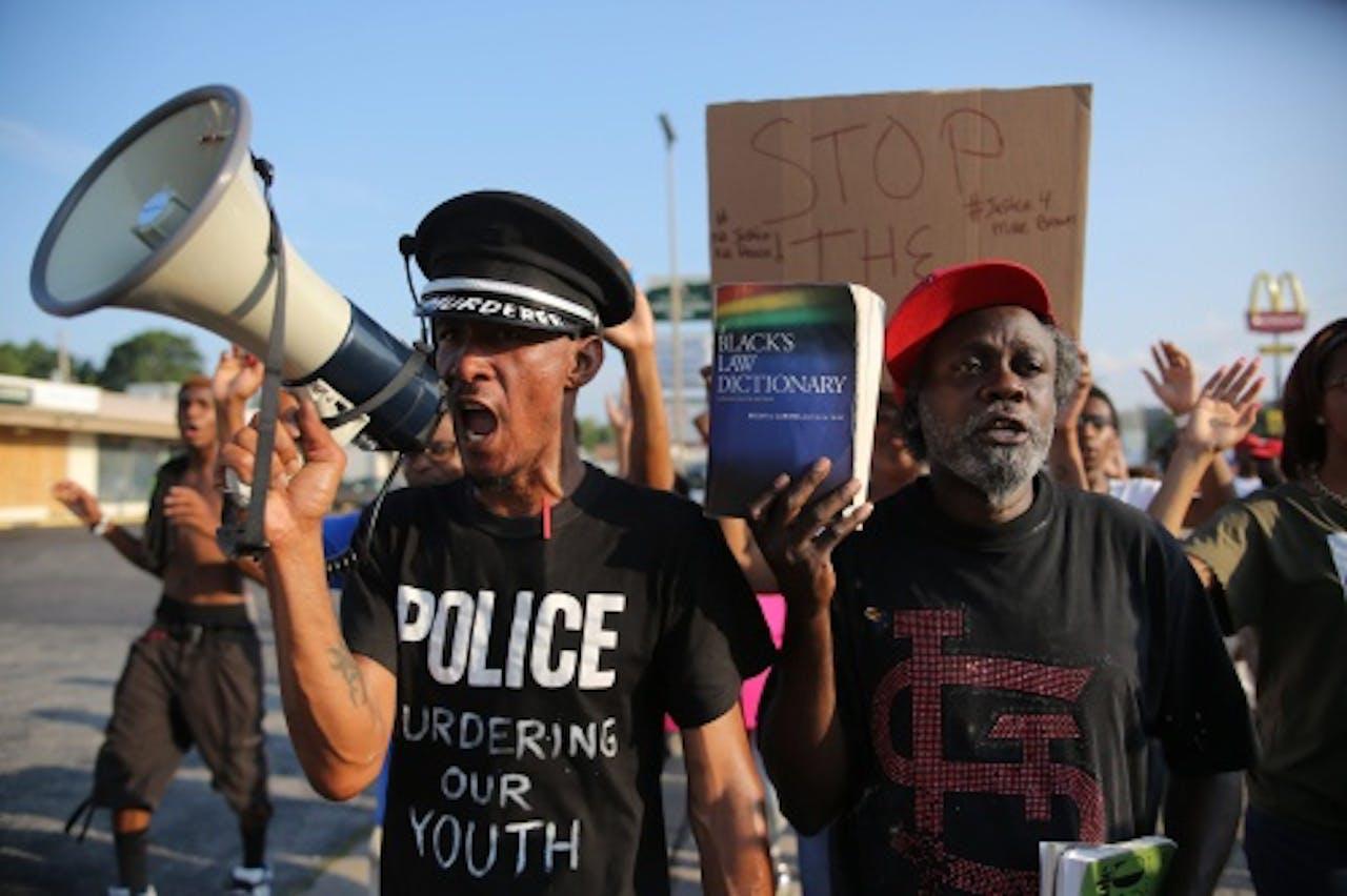 Er wordt al dagen gedemonstreerd in Ferguson. EPA