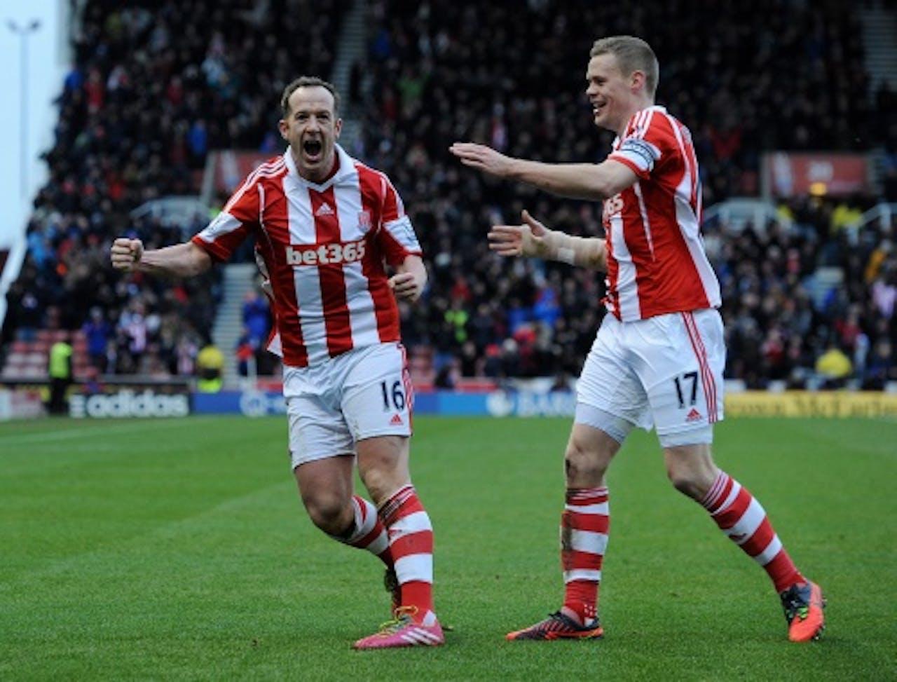 Stoke City's Charlie Adam (L) en Ryan Shawcross. Archiefbeeld. EPA