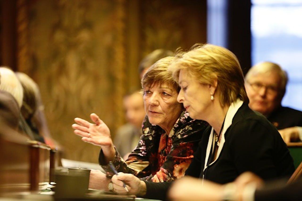 Dissidenten Guursje ter Horst (voor) en Marijke Linthorst. Foto: ANP