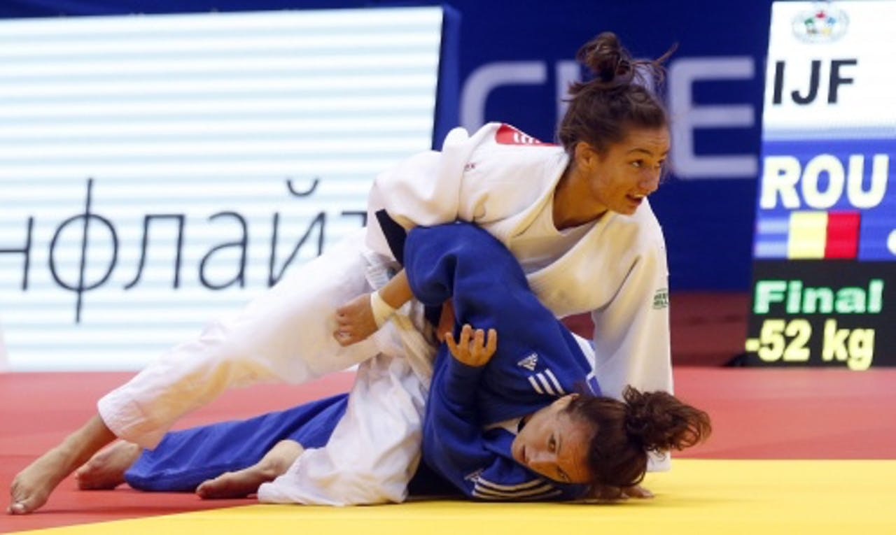Judoka Majlinda Kelmendi (in het wit). EPA