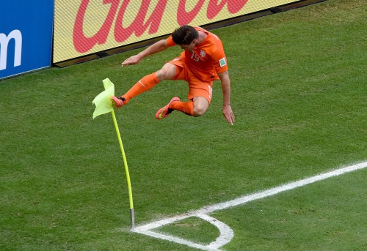 Klaas-Jan Huntelaar viert het 143e doelpunt van het WK. ANP