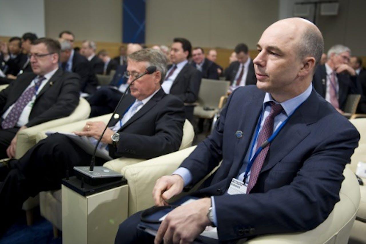 Anton Siloeanov (R). EPA