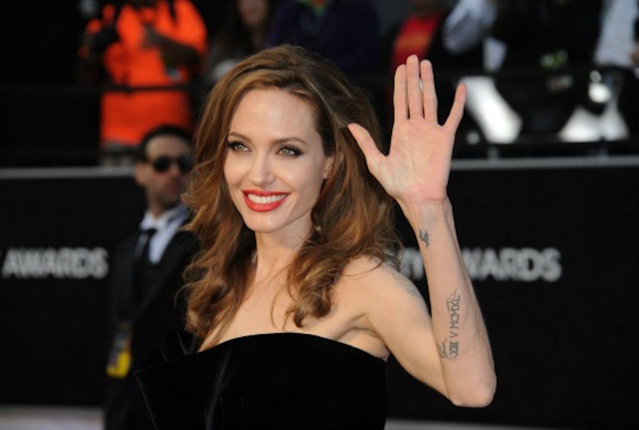 Angelina Jolie liet preventief haar borsten verwijderen