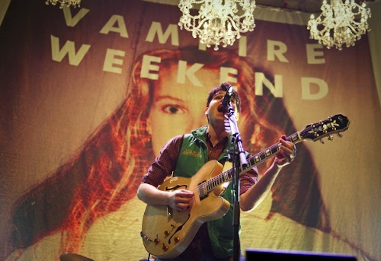 Zanger Ezra Koenig van de Amerikaanse band Vampire Weekend. ANP Kippa