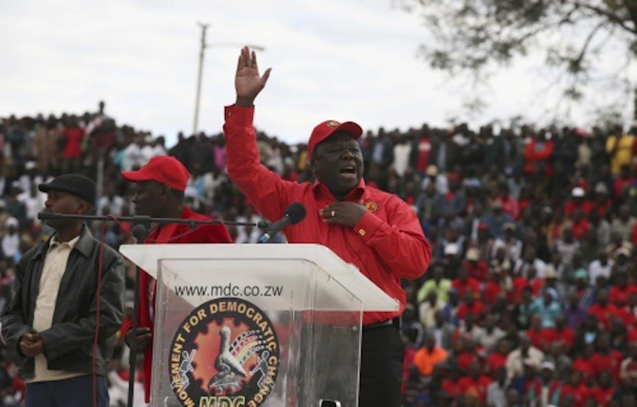 Morgan Tsvangirai (R). EPA