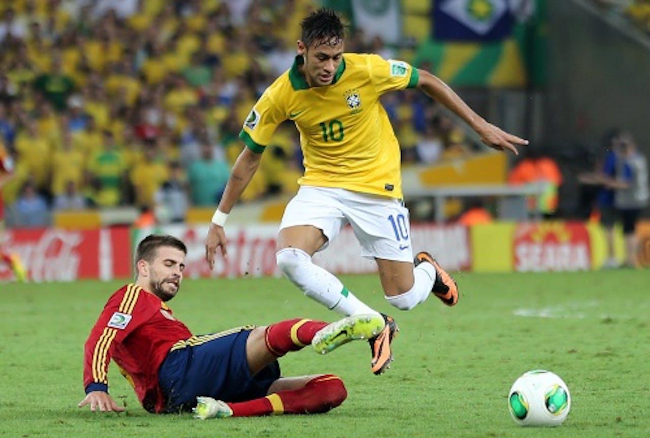Neymar (R). EPA