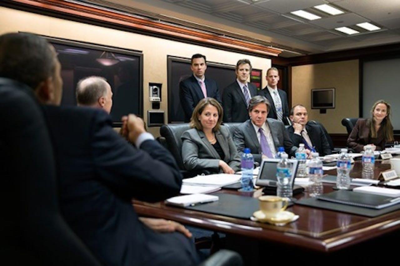 Ben Rhodes (2e rechts) met o.a. president Obama in het Witte Huis. EPA