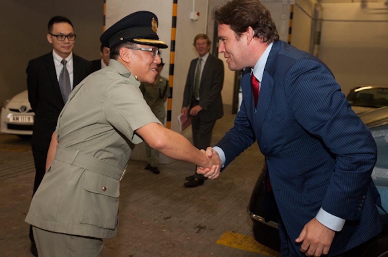 Staatssecretaris Frans Weekers sloot in mei een nieuw belastingverdrag met China.
