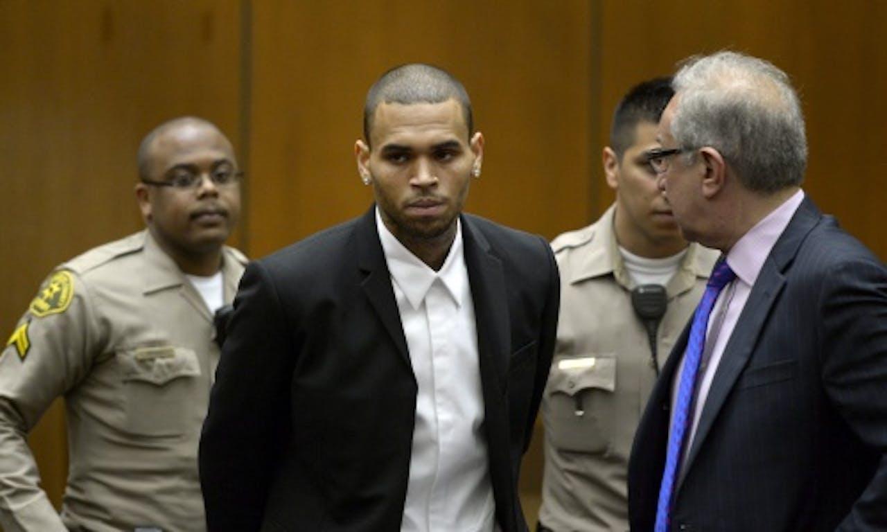 Chris Brown tijdens een hoorzitting in augustus van dit jaar. EPA