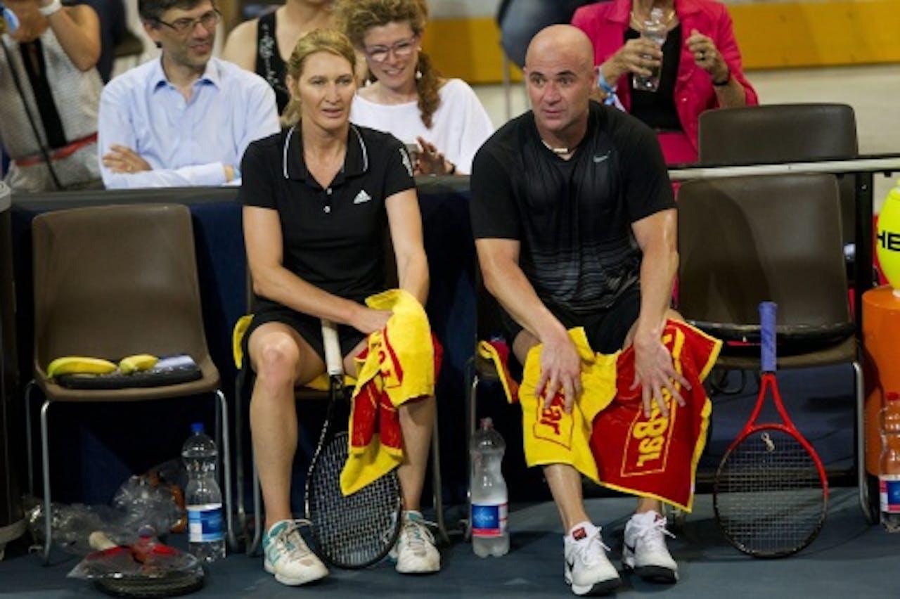 Steffi Graf met haar man Andre Agassi. EPA