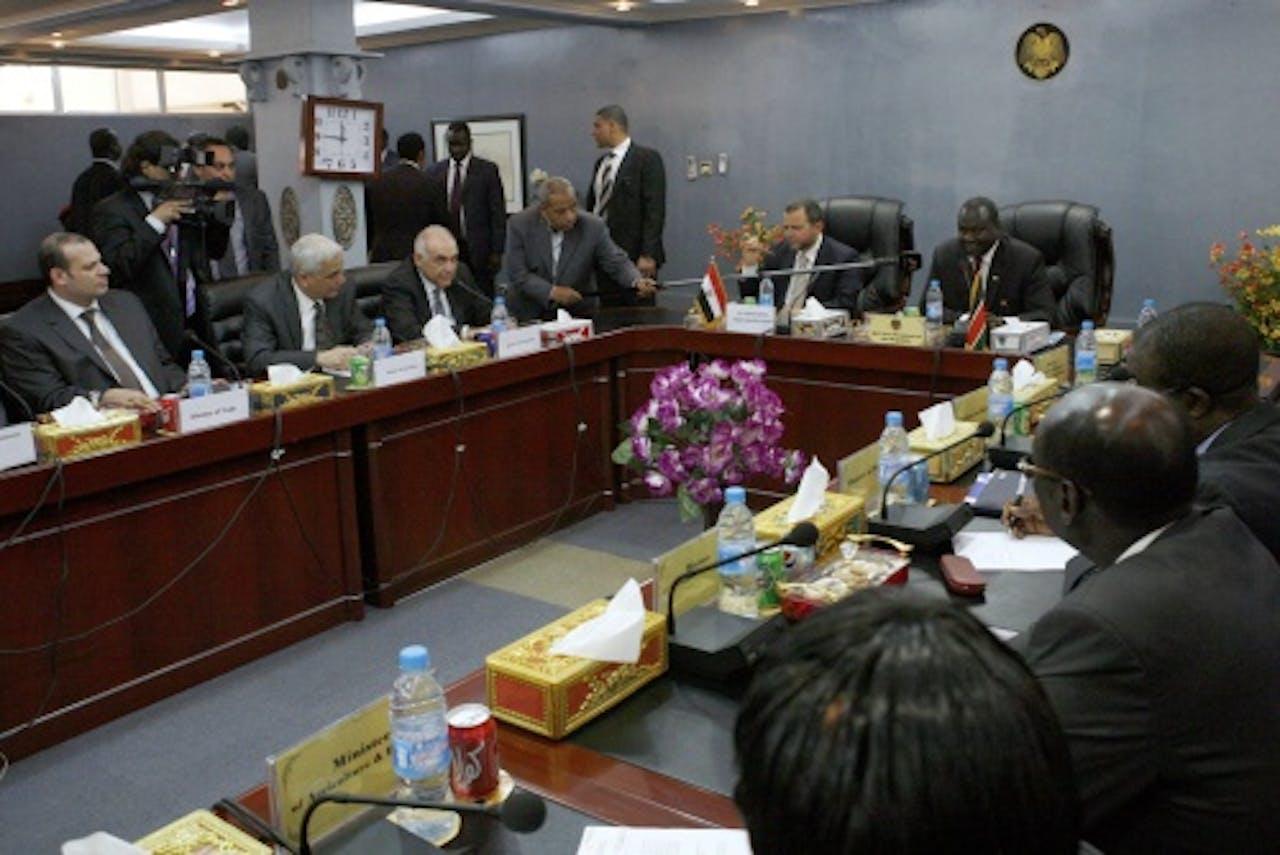 Hisham Kandil (5e van links). EPA