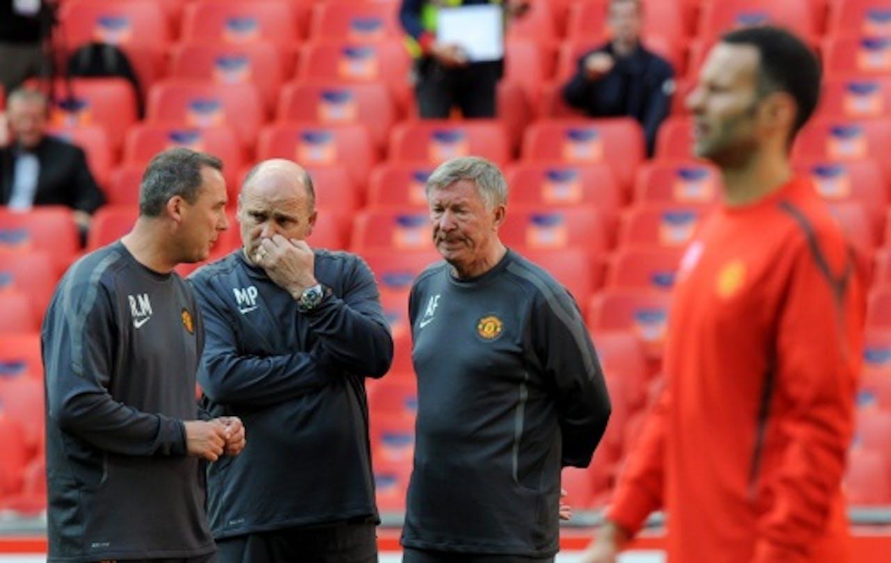 Meulensteen (L) op de training van Manchester United. EPA