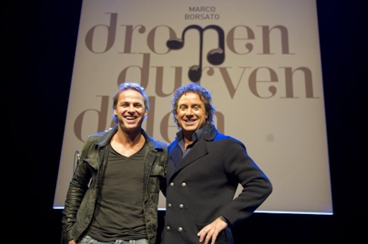 John Ewabank (l) en Marco Borsato tijdens d epresentatie van het vorige album, Dromen durven delen. ANP KIPPA