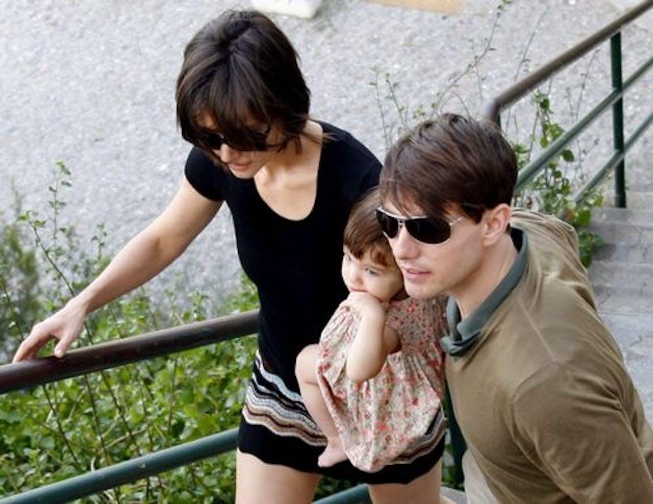 Suri met haar ouders Tom Cruise en Katie Holmes in 2007. EPA