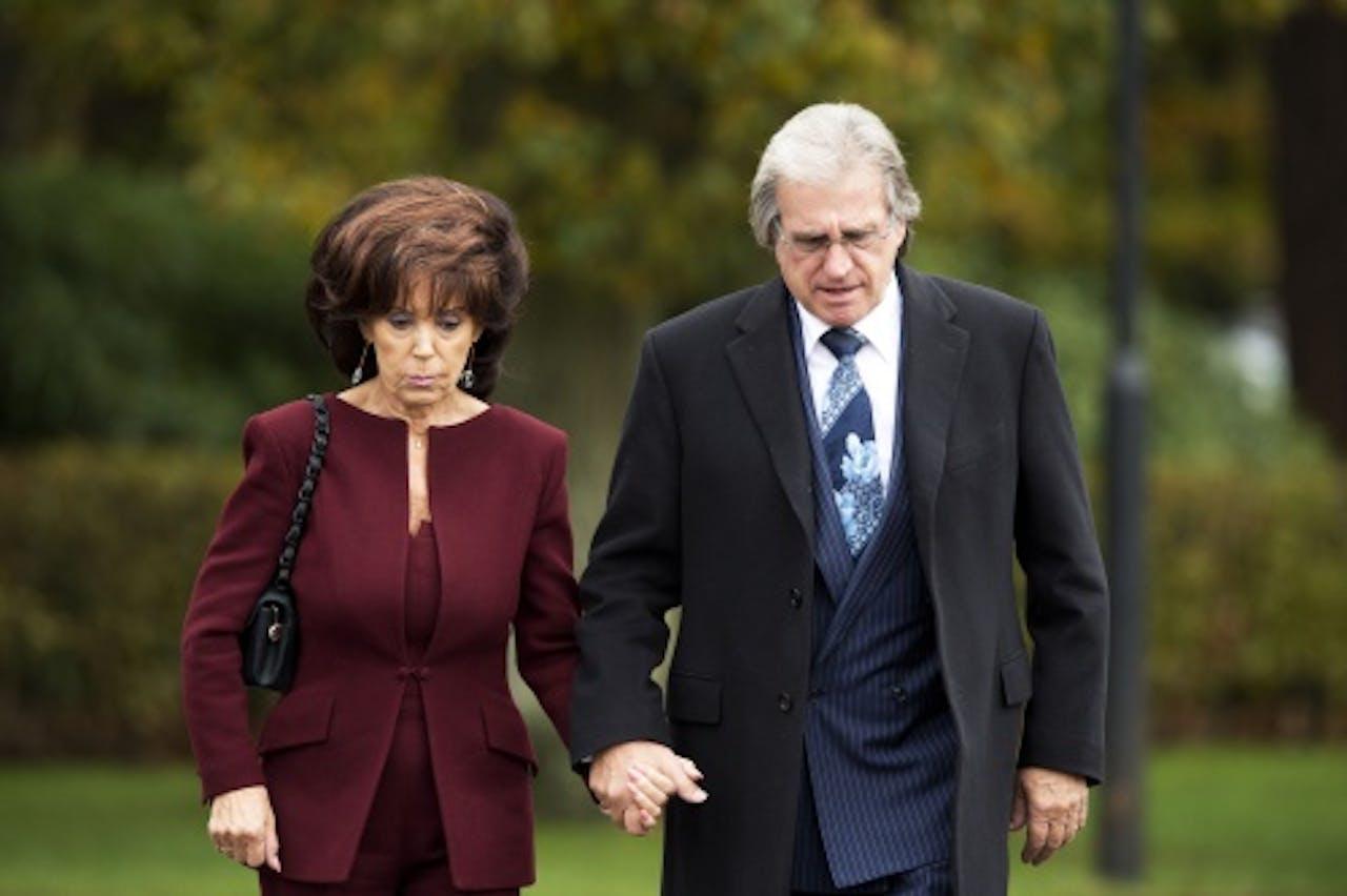 Lee Towers met zijn echtgenote Laura. ANP