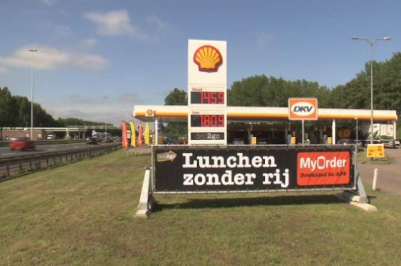 Met mobiel broodjes kopen bij deli2go in Shell tankstations