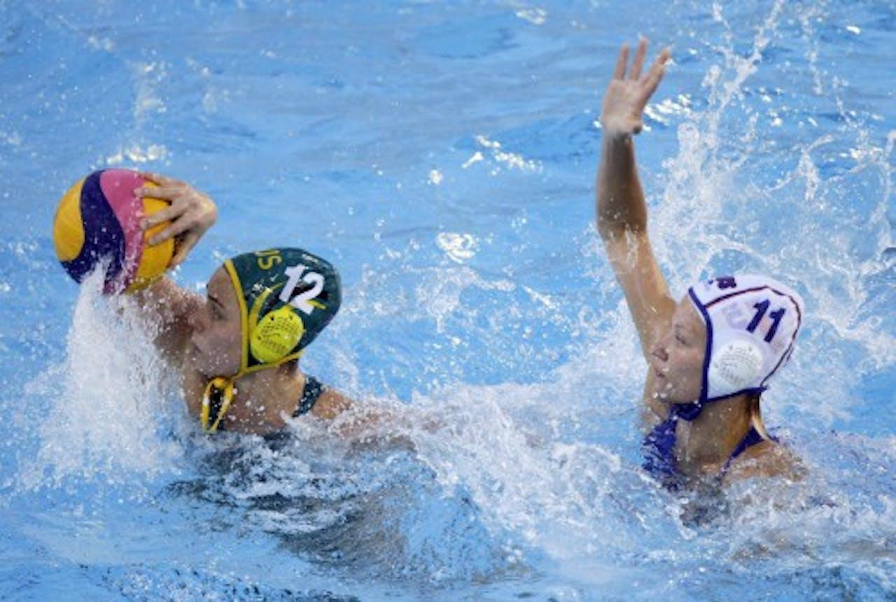 Nicola Zagame (L) van Australië in duel met Evgeniya Ivanova (R) van Rusland. EPA
