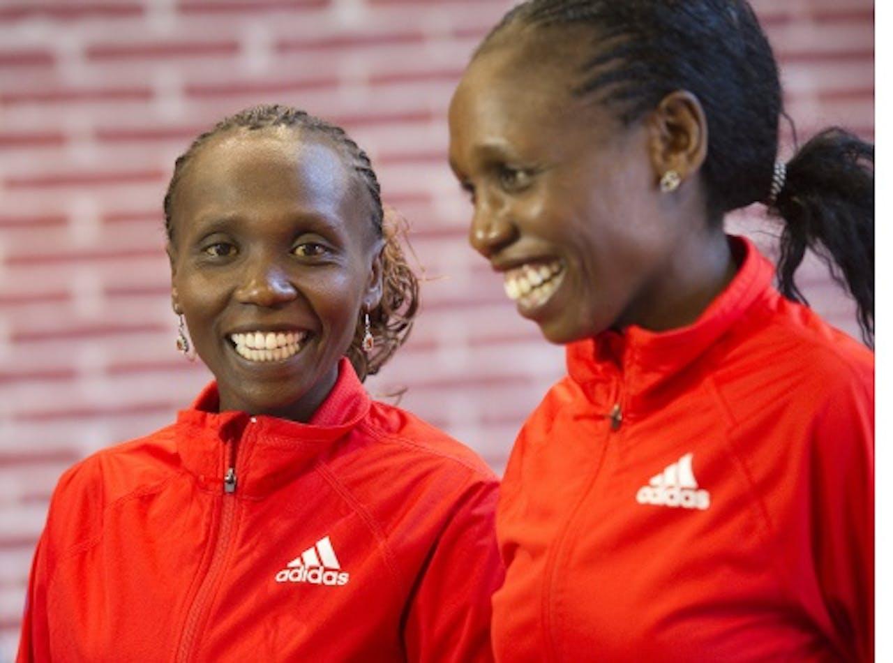 De zusjes Hilda (R) en Sylvia Kibet. ANP