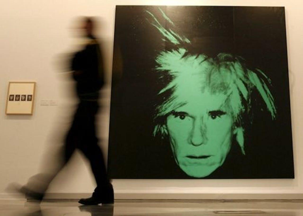 Een zelfportret van Andy Warhol uit 1986. EPA