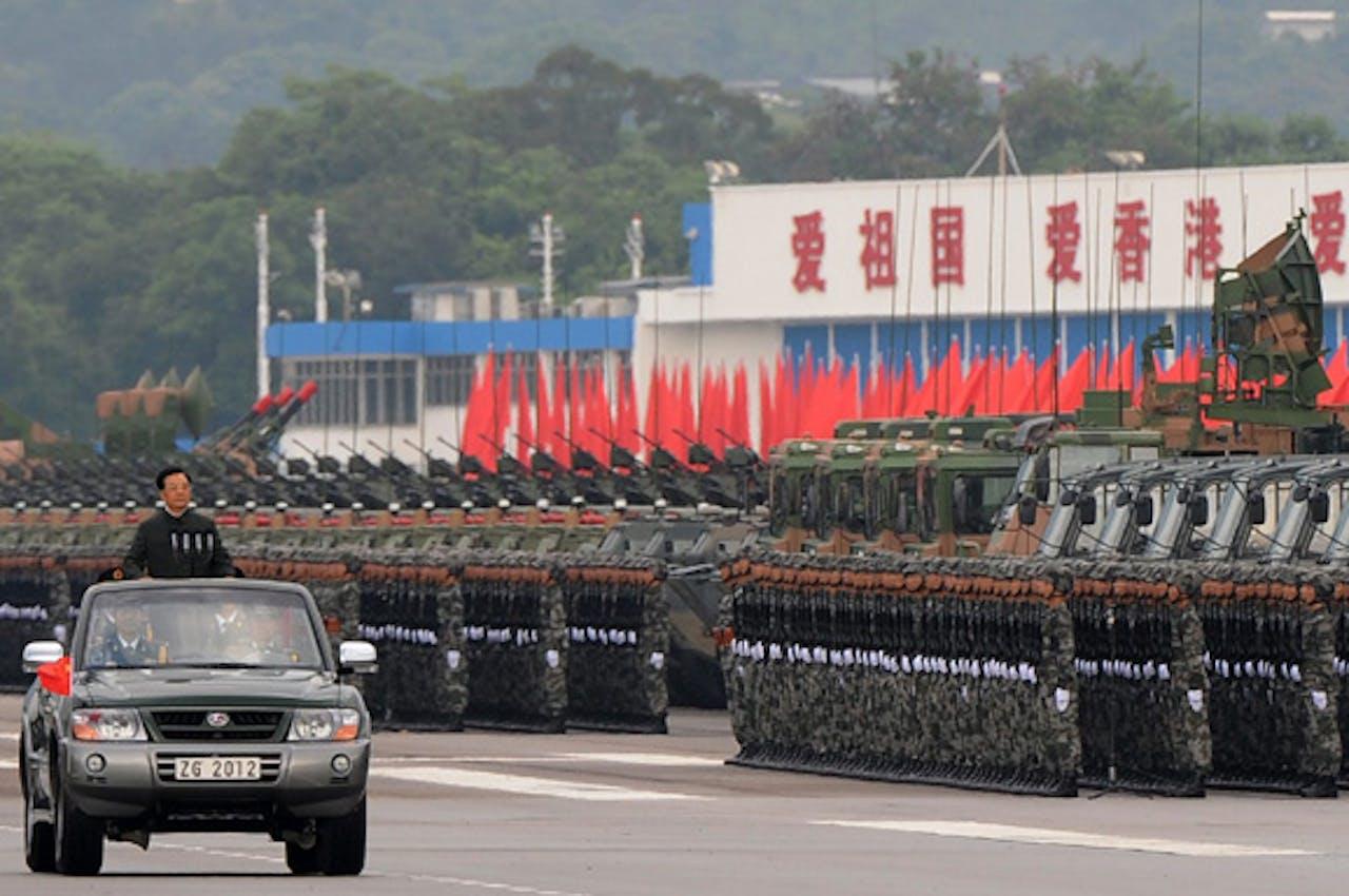 De voormalige Chinese president Hu Jintao tijdens een militaire parade in 2012.