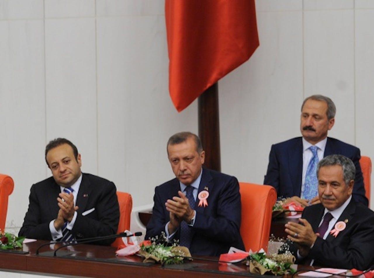 De Turkse vicepremier Bülent Arinc (R). EPA