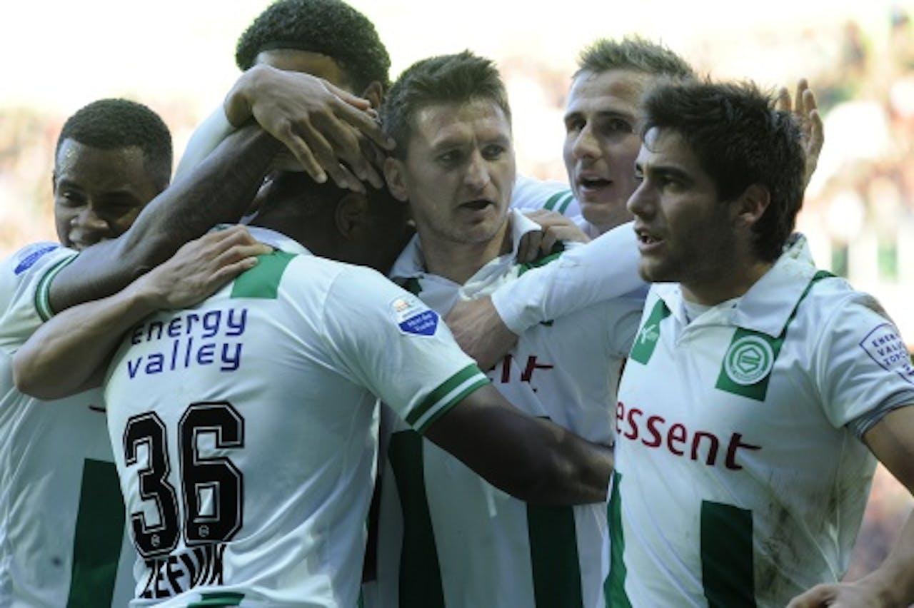 FC Groningen viert de 1-0 van Genero Zeefuik (2e L) in de wedstrijd tegen ADO, ANP