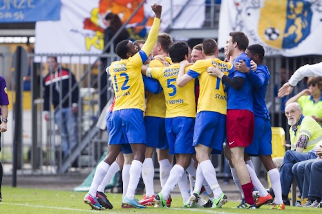 RKC spelers vieren de 2-0 van Mart Lieder in de wedstrijd tegen Vitesse, ANP Pro Shots