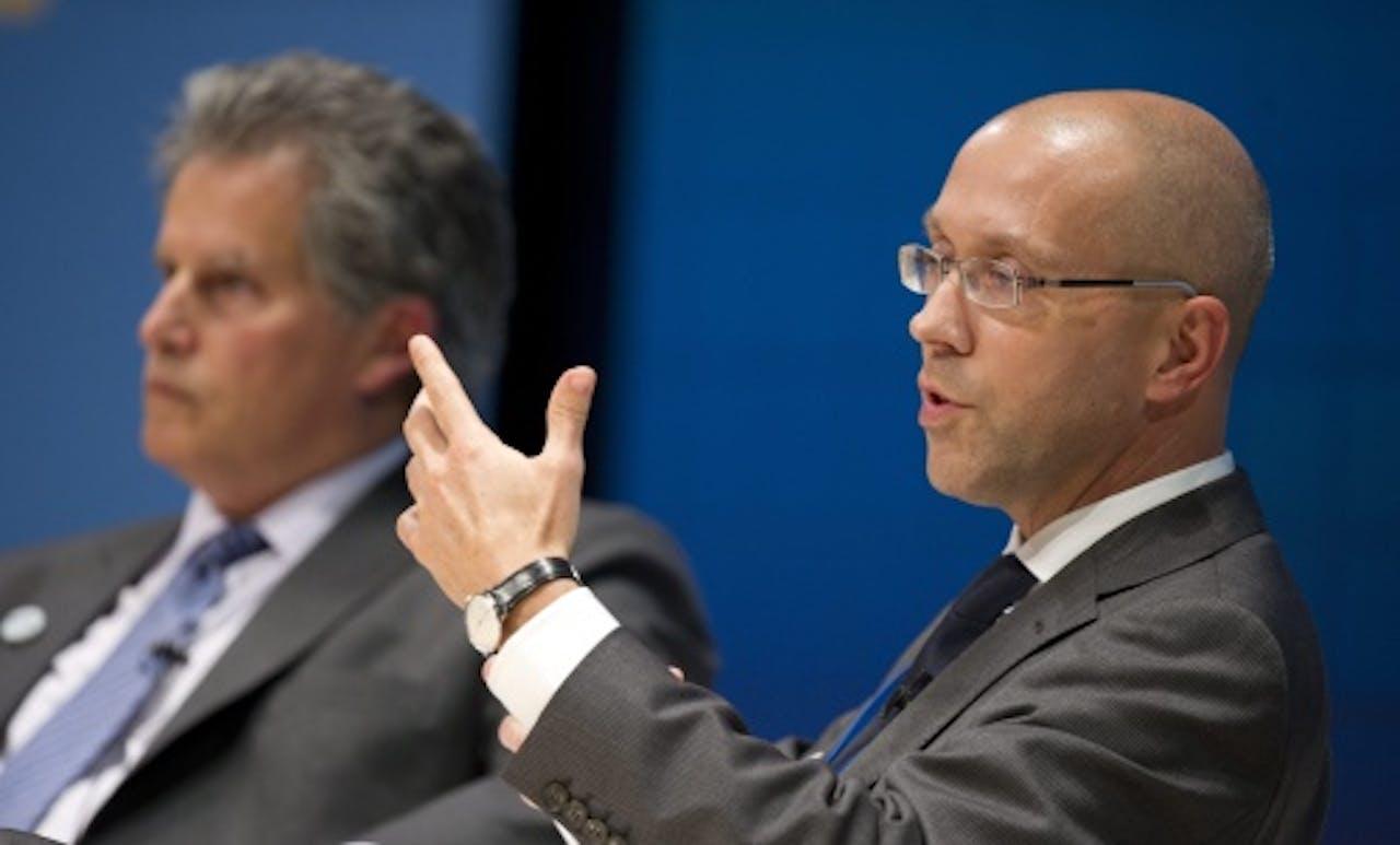 Archiefbeeld bestuurder Europese Centrale Bank Jörg Asmussen (R). EPA