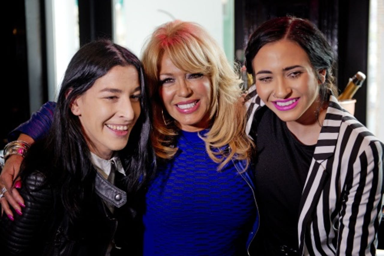 Elle Bandita, Patricia Paay en Christina Curry. ANP Kippa