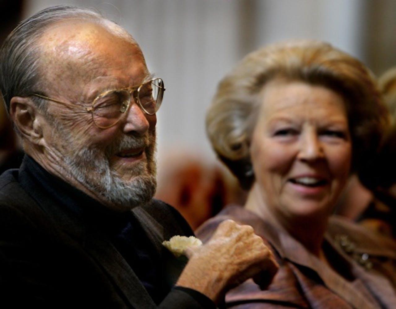 Archiefbeeld uit 2004 van prins Bernhard en koningin Beatrix. ANP