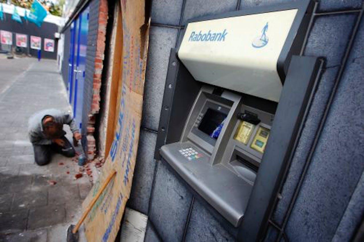 De ramkraak bij twee geldautomaten van de Rabobank in winkelcentrum Oosterhof in Boxtel. ANP