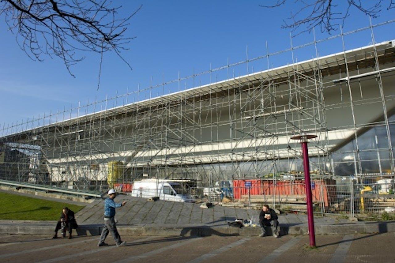 Het Stedelijk Museum nog in aanbouw. ANP