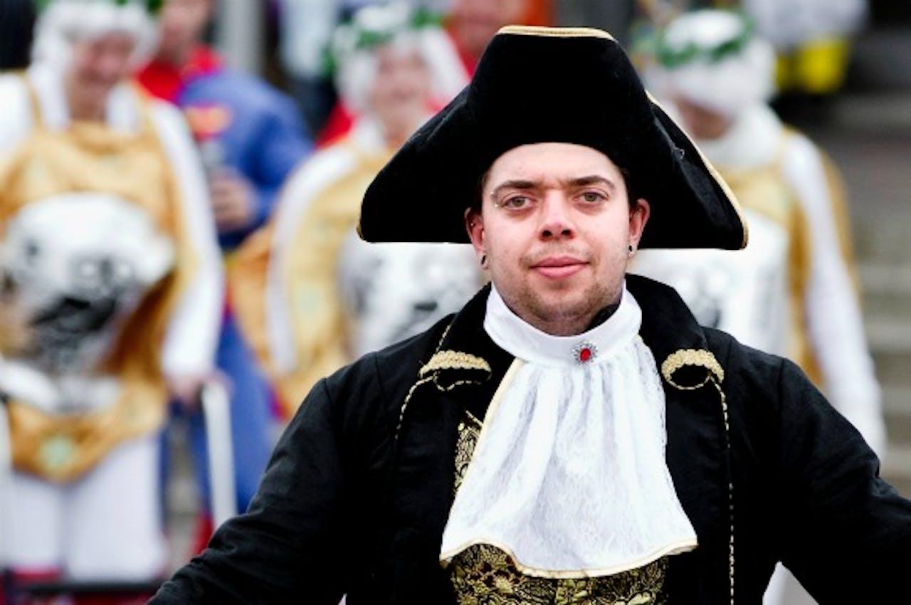 Feestvierders in Zoepkoel, zoals Venlo tijdens carnaval heet. Om 11.11 uur werd is feest officieel van start gegaan.