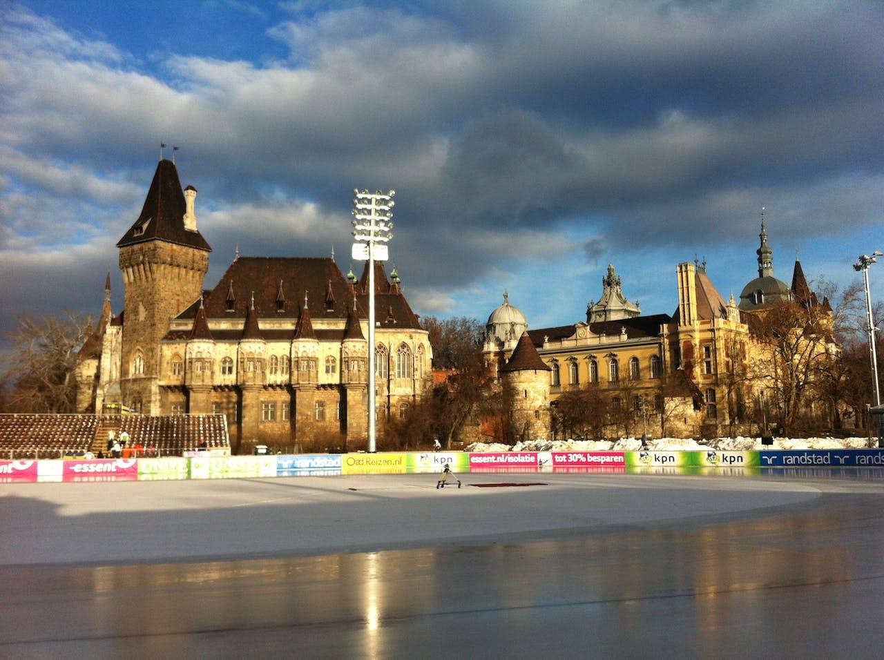 De schaatsbaan in Hongarije