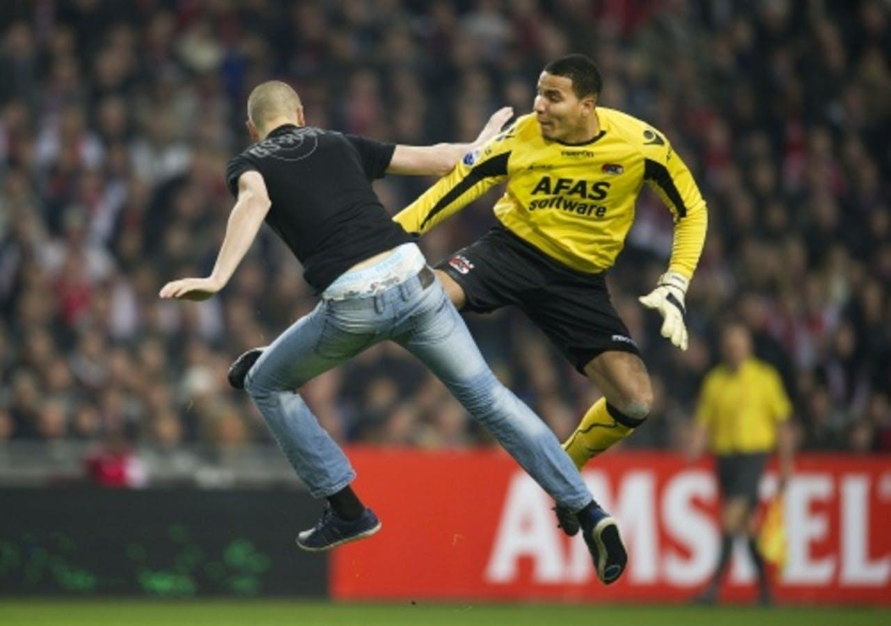 AZ-keeper Esteban werd tijdens de bekerwedstrijd tegen Ajax aangevallen. ANP