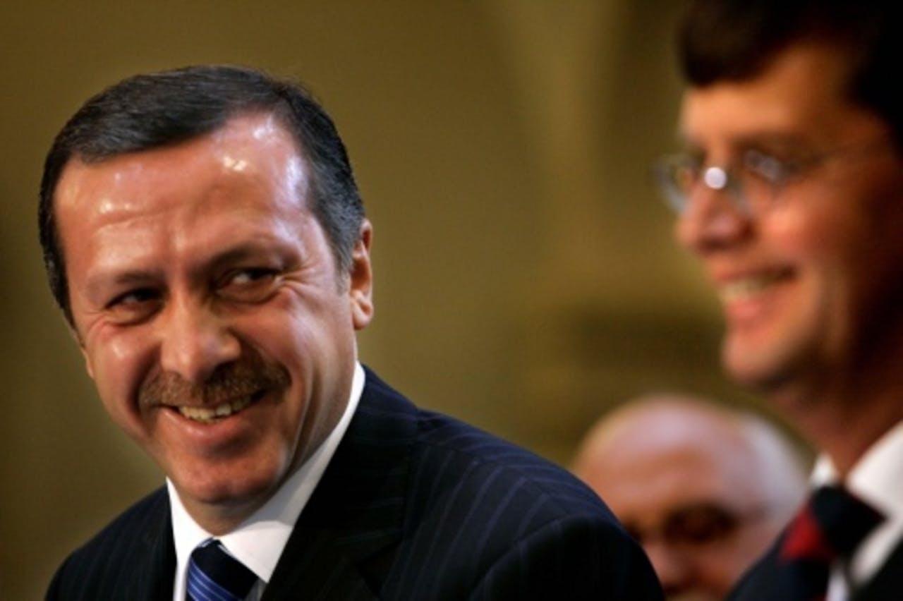 Premier Erdogan op archiefbeeld samen met Jan-Peter Balkenende. ANP