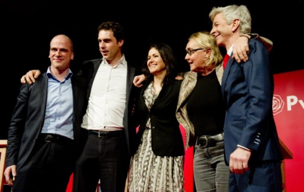 (Van links naar rechts) Diederik Samsom, Martijn van Dam, Nebahat Albayrak, Lutz Jacobi en Ronald Plasterk. ANP