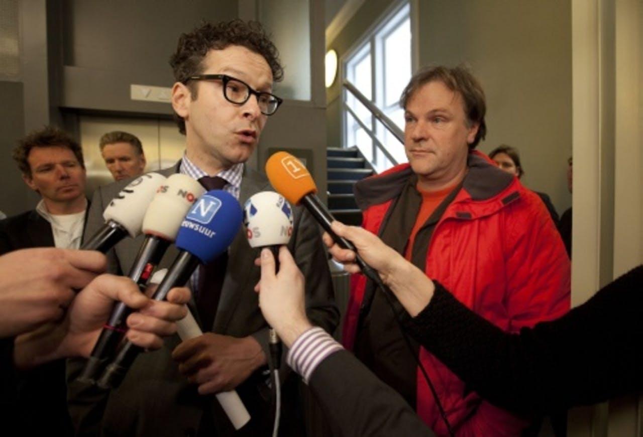 PvdA-Kamerlid en vice-fractievoorzitter Jeroen Dijsselbloem met partijvoorzitter Hans Spekman na afloop van de fractievergadering. ANP