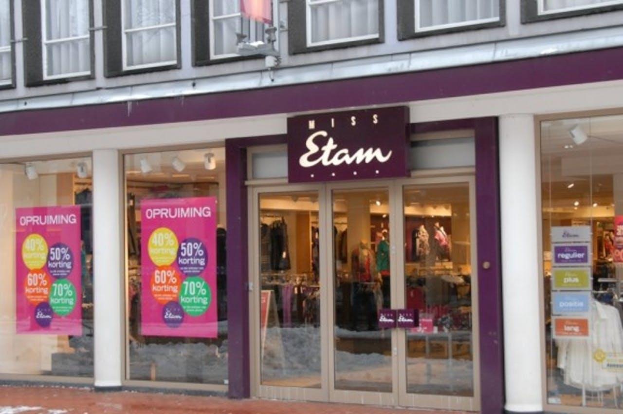 Miss Etam winnaar verkiezing Klantvriendelijkste Bedrijf van Nederland 2012