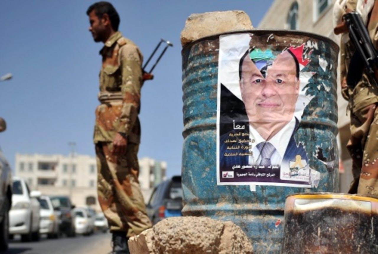 Een poster van Abd-Rabby Mansour Hadi. EPA