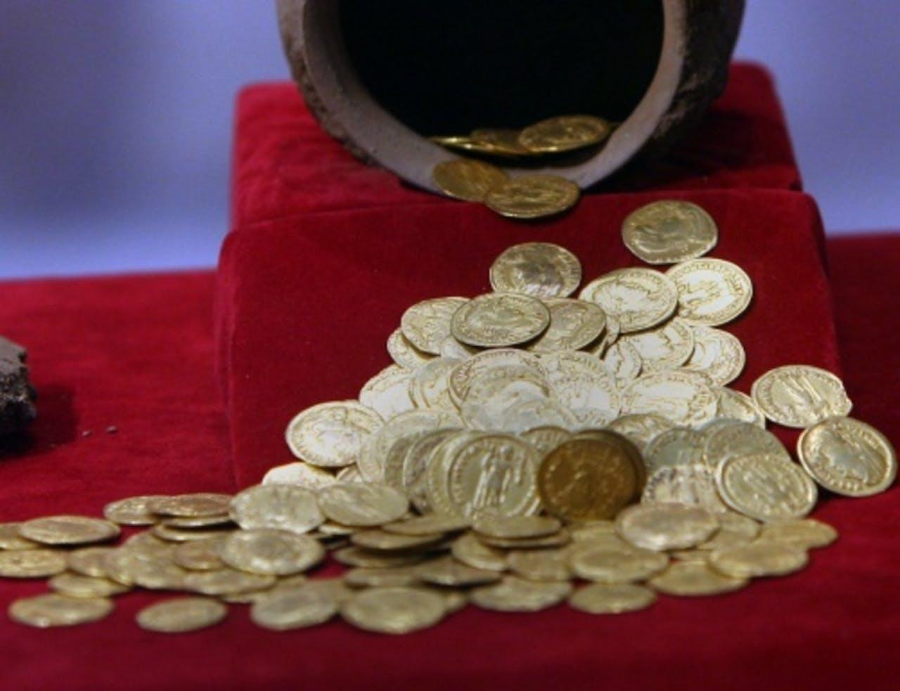 Archieffoto van gouden munten uit 2010. EPA
