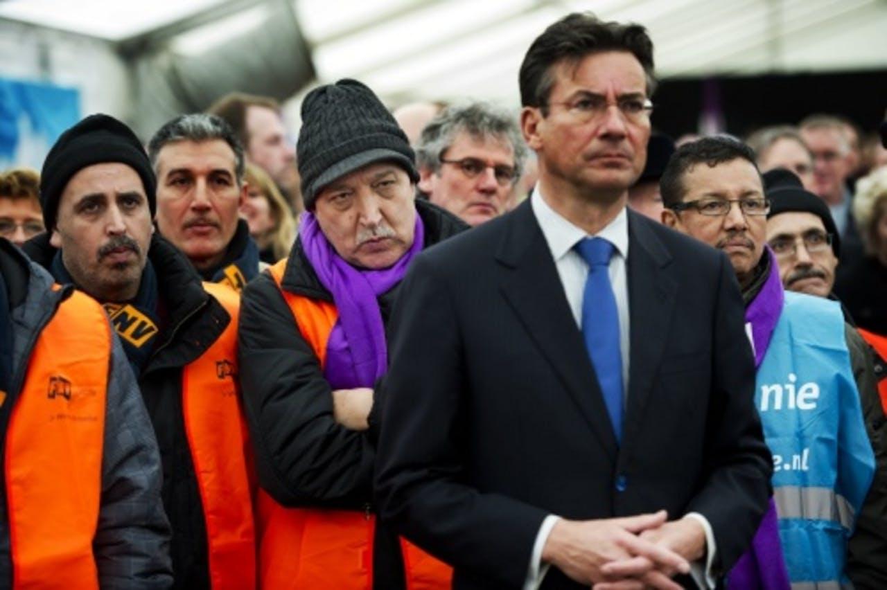 Minister Maxime Verhagen bij de manifestatie van medewerkers van NedCar op het Malieveld in Den Haag. EPA