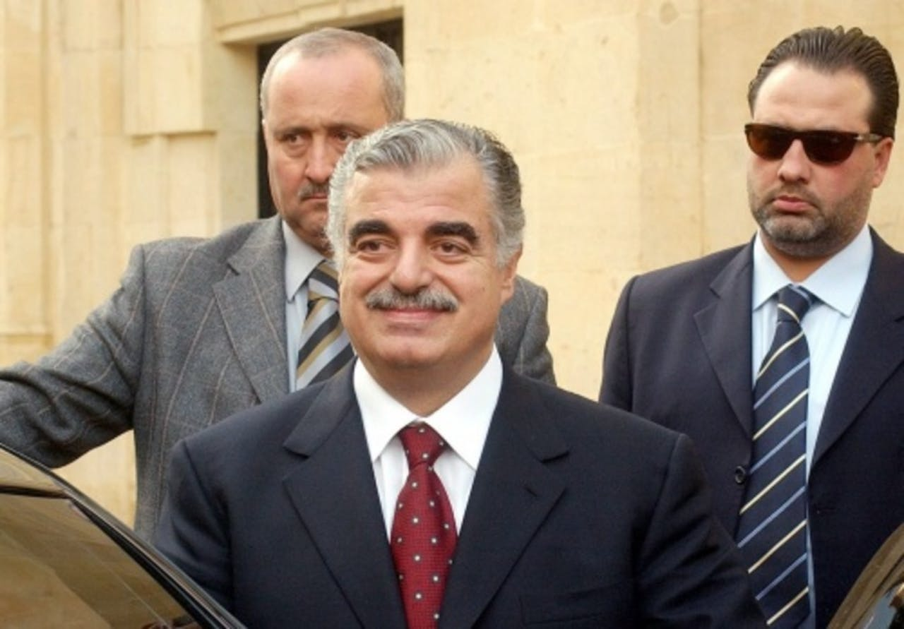 Rafik al-Hariri (M) in 2004. EPA