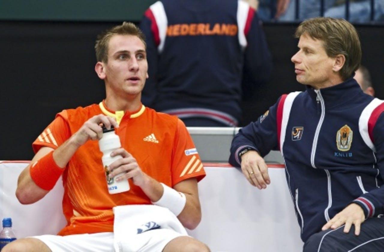 Thiemo de Bakker met captain Jan Siemerink (R). ANP