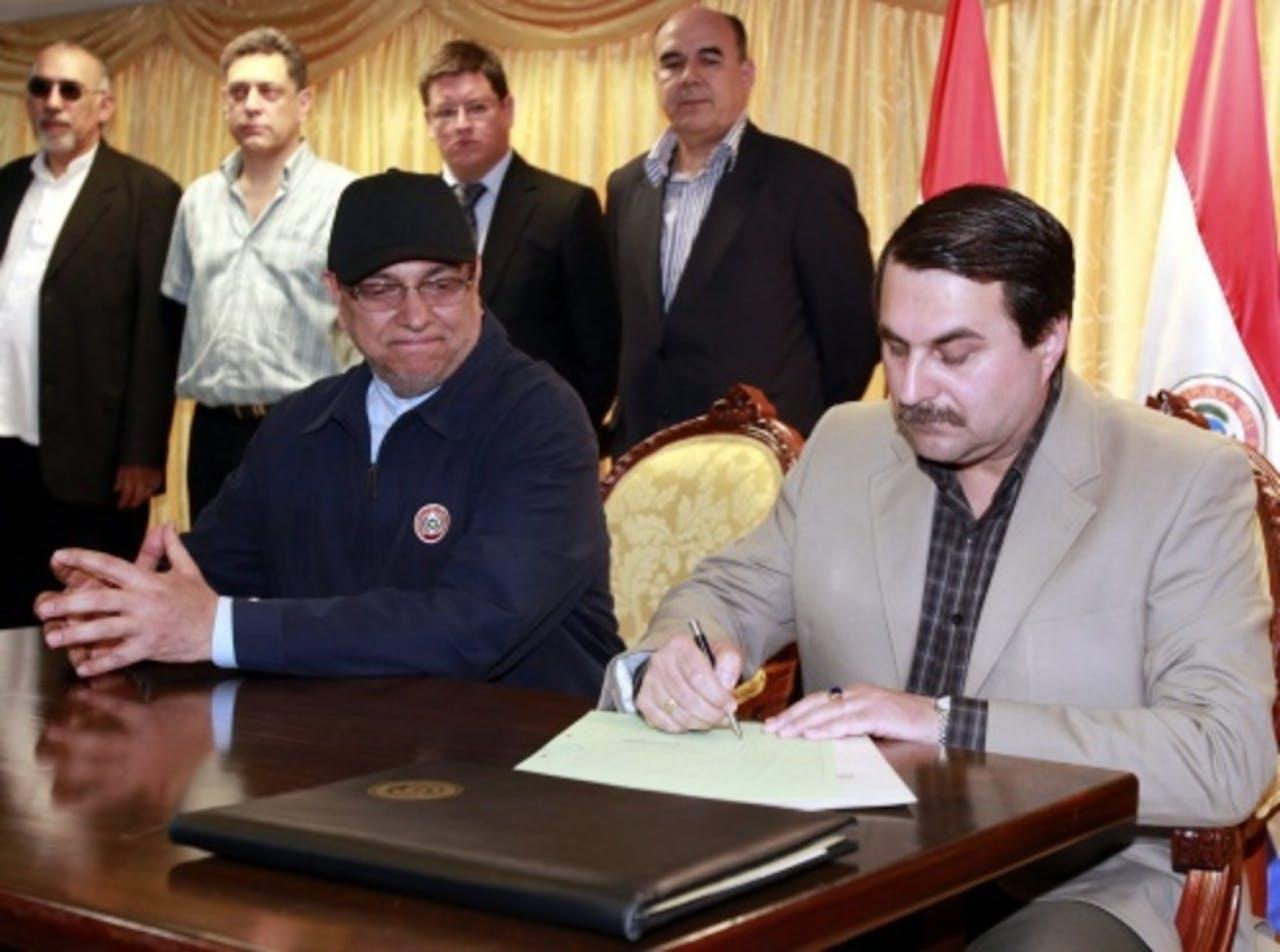 Fernando Lugo (links) en Federico Franco (rechts) (EPA)
