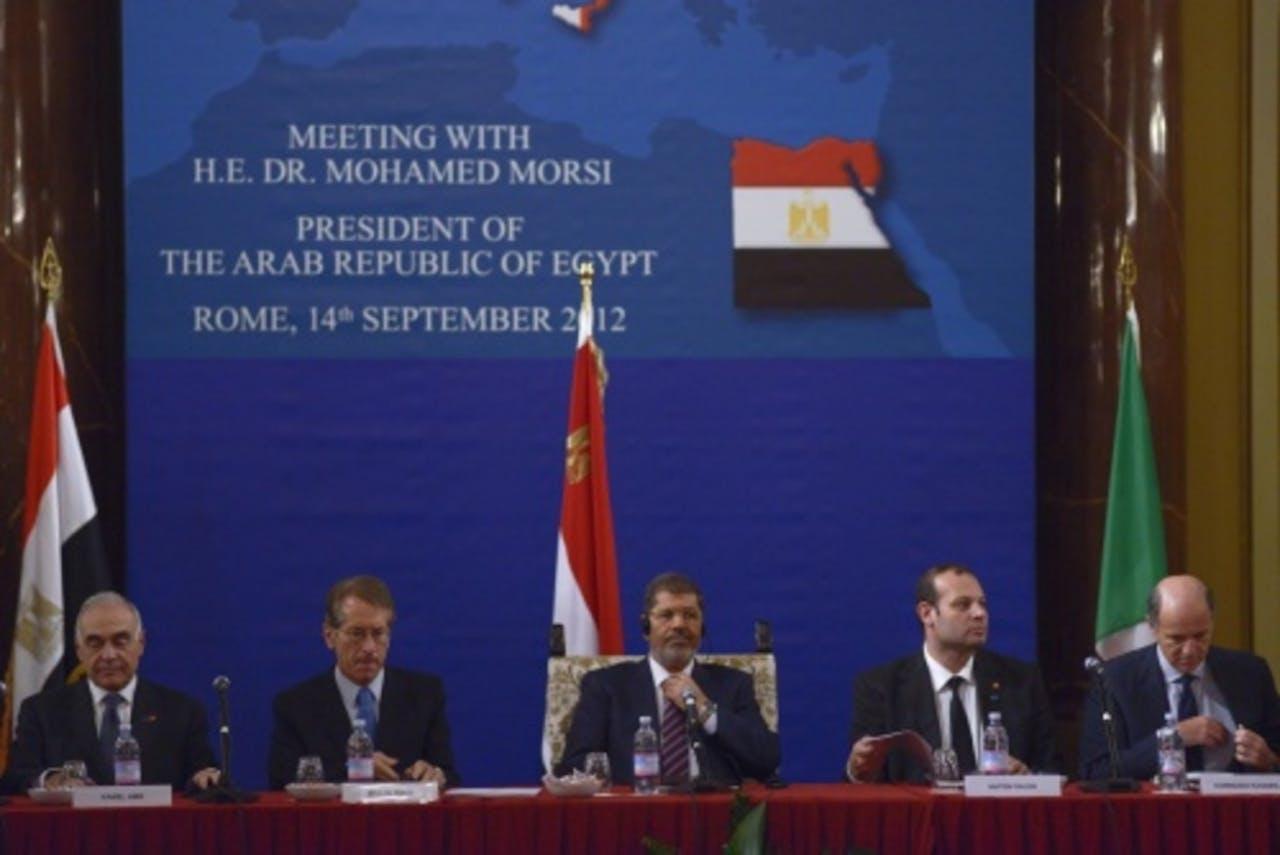 Hatem Saleh (tweede van rechts). EPA